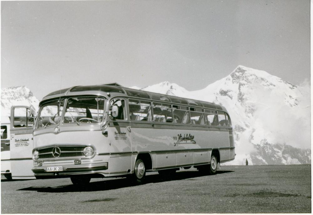 1964: Ein Mercedes-Benz 0321 auf der Großglockner-Passstraße